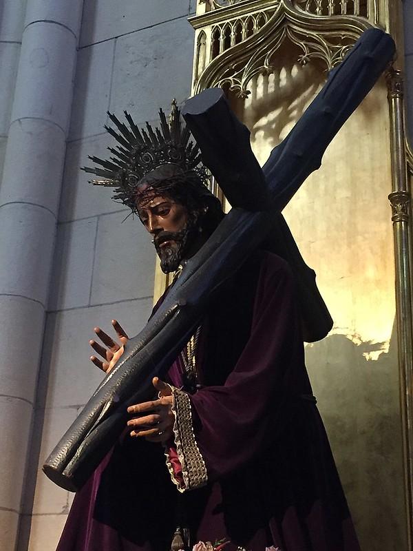 800px-Catedral_de_la_Almudena,_Madrid_(España)_16