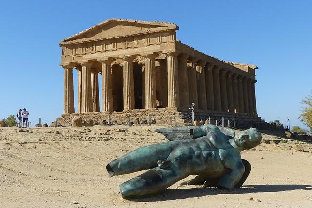 Concordia Temple with fallen Icarus, Valle dei Templi, Agrigento