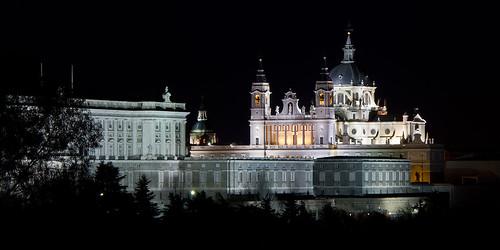Catedral_de_la_Almudena_y_Palacio_Real_-_01