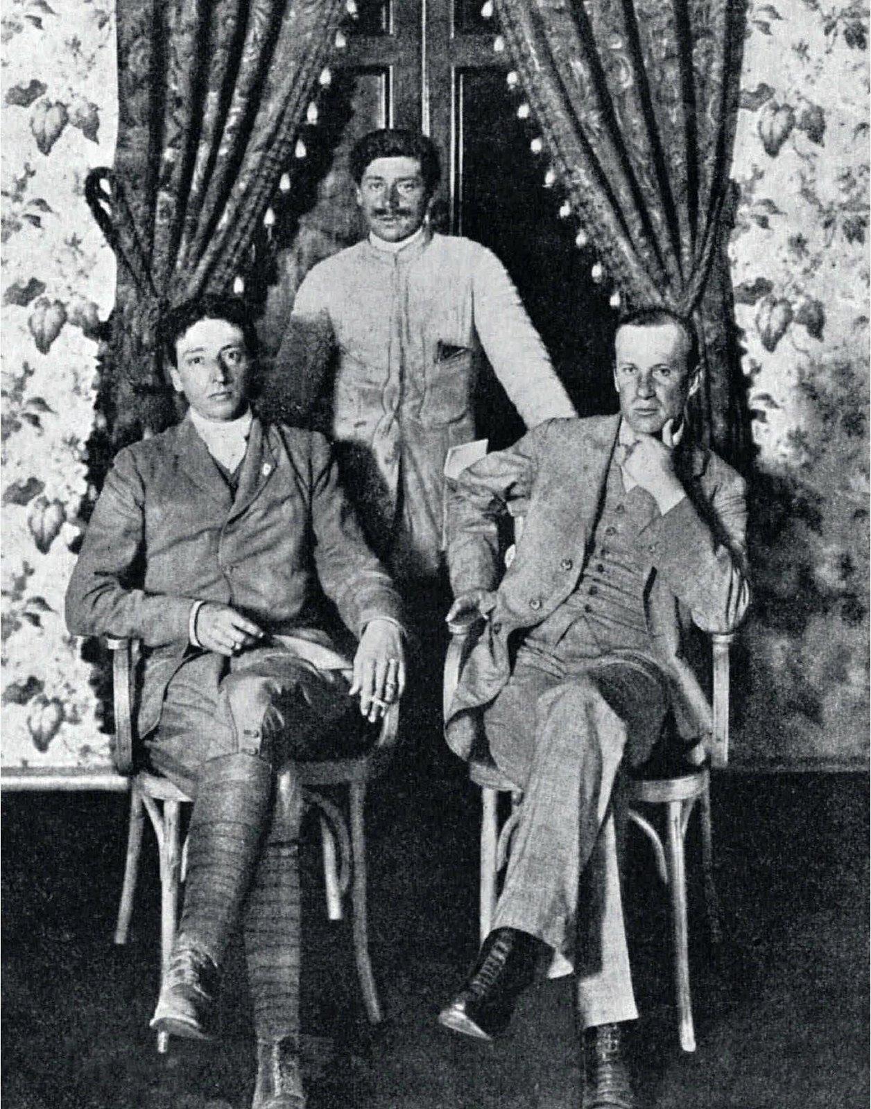 1907. Итальянские участники пробега Пекин-Париж
