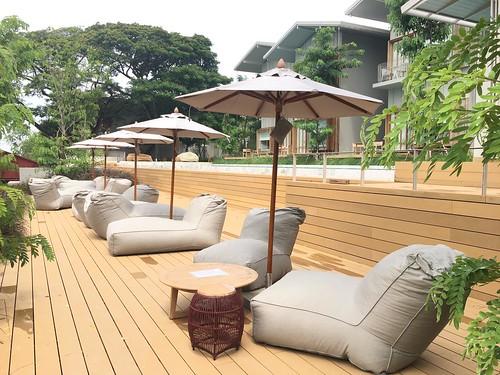 sala bang pa-in  souk seat and umbrella
