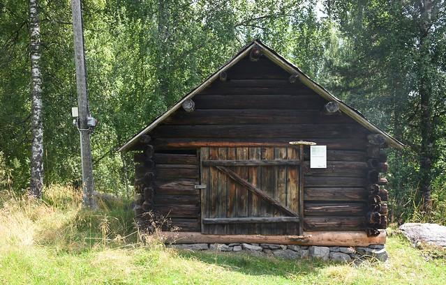 Valdres folkemuseum: Skåle fra Øvre Fristadplassen