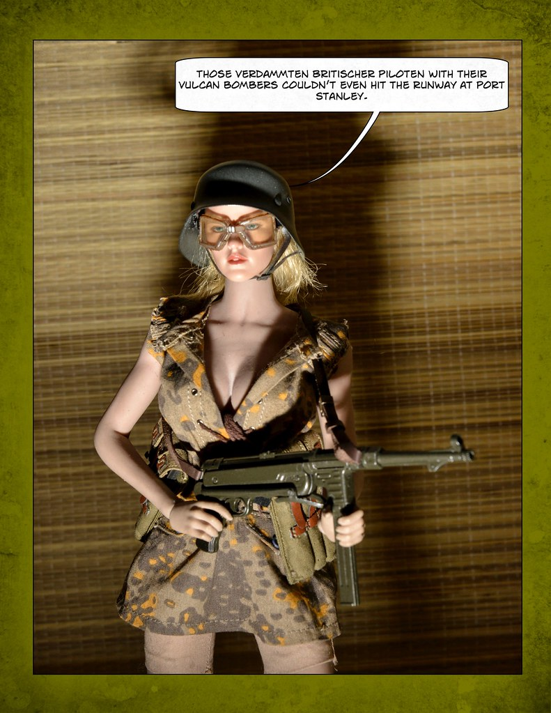 43rd Annual All England Retro Secret Agent, Assasin and Evil Villain Costume Contest 51152589142_c08f27538e_b