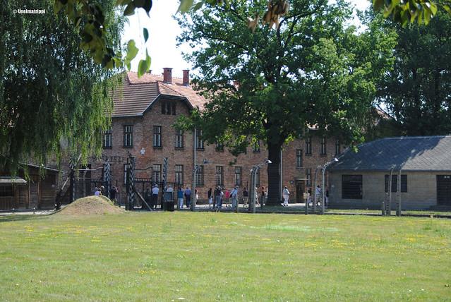 Punatiilinen rakennus Auschwitzissa