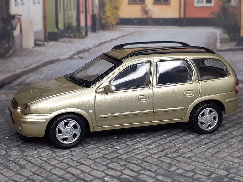 Chevrolet / Buick Sail Wagon – 2001