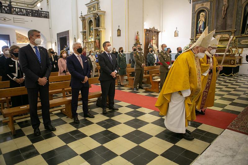 El presidente de Castilla-La Mancha asiste a la Santa Misa que se celebra con motivo de la elevación del Santuario de Urda a Basílica Menor