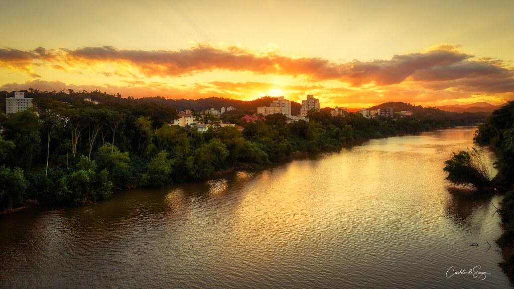 Por do Sol Visto da Ponte do Tamarindo