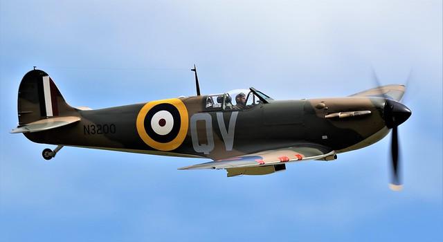 Royal Air Force Supermarine Spitfire Mk1 N3200 G-CFGJ QV RAF 19 Squadron