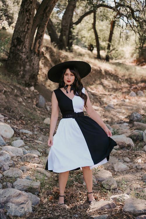 Collectif 1950s Black & White Colorblock Enora Swing Dress