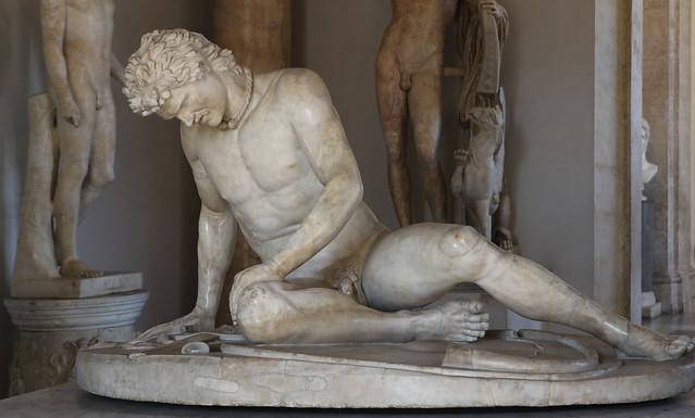 Galata morente (copia romana in marmo da un originale bronzeo del 230-220 a.C. circa attribuito ad Epigono) - Sala di Galata - Musei Capitolini Roma