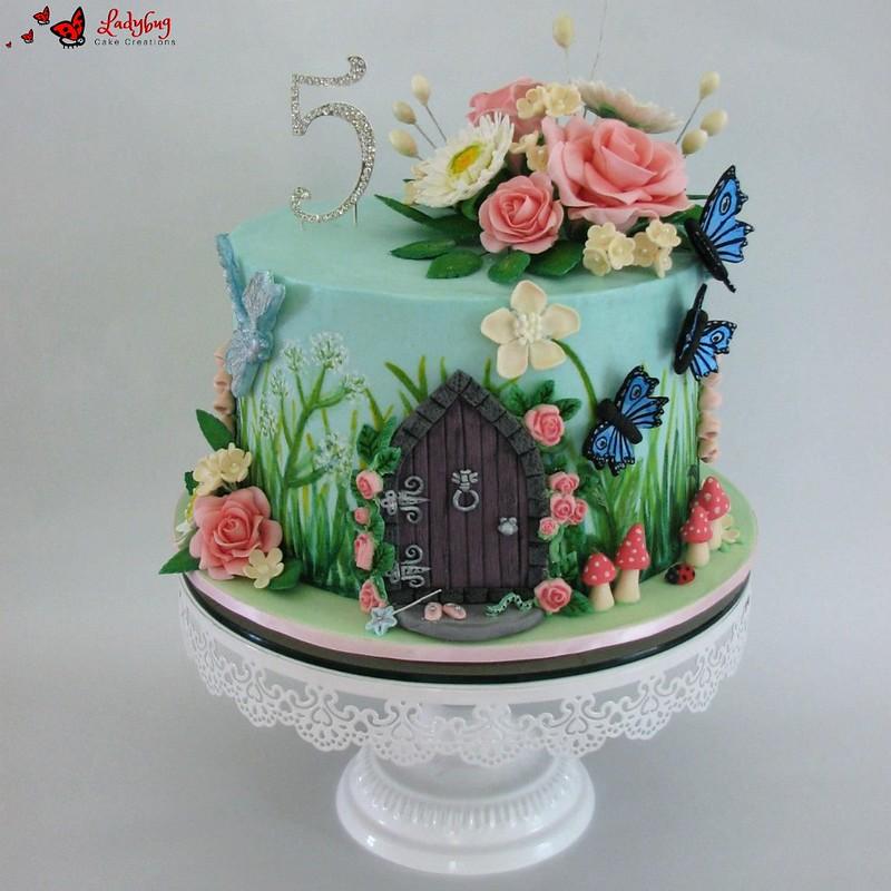 Cake by Ladybug Cake Creations FL