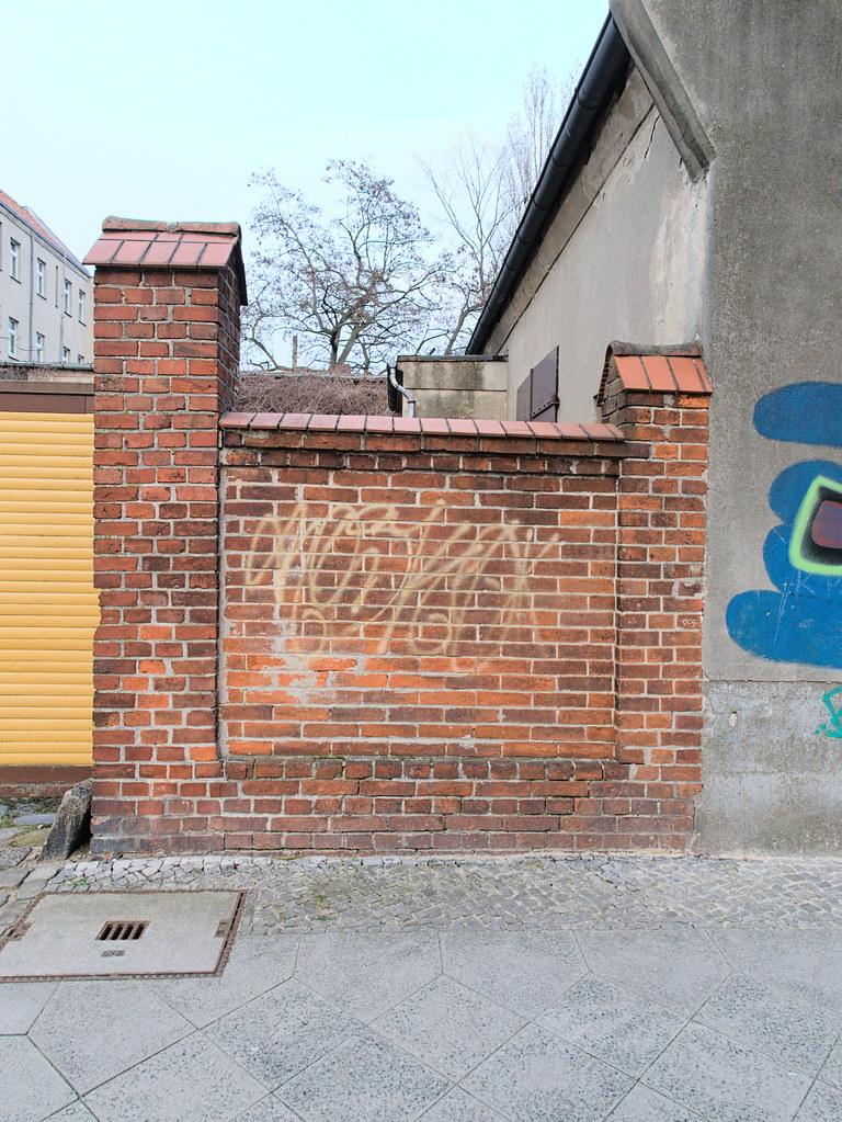 Mackenroder-Weg 03253600