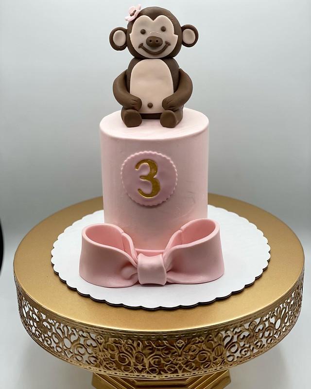 Cake by Emilia Bakes