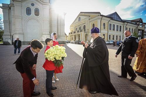 02 мая 2021, В праздник Воскресения Христова митрополит Кирилл возглавил великую вечерню в Казанском соборе