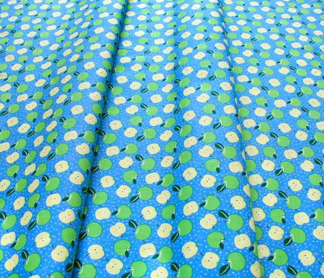 Camelot Fabrics Feelin' Fruity 30200206-1 Apples Blue