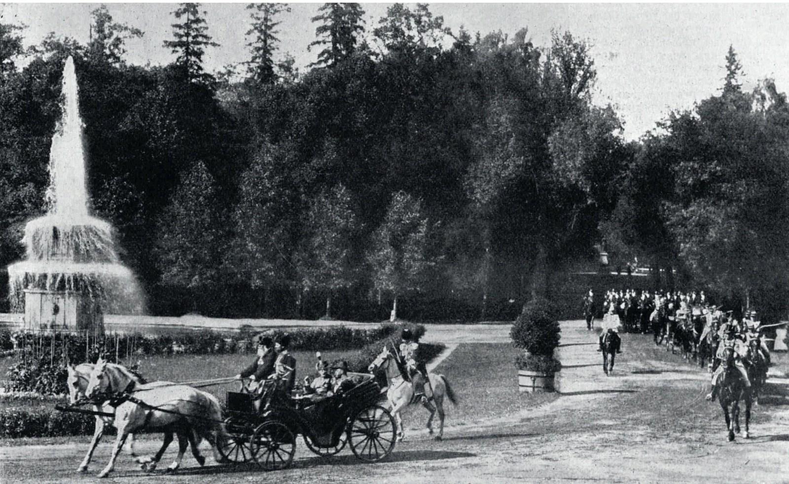 1909. Король и королева Дании в Петергофе
