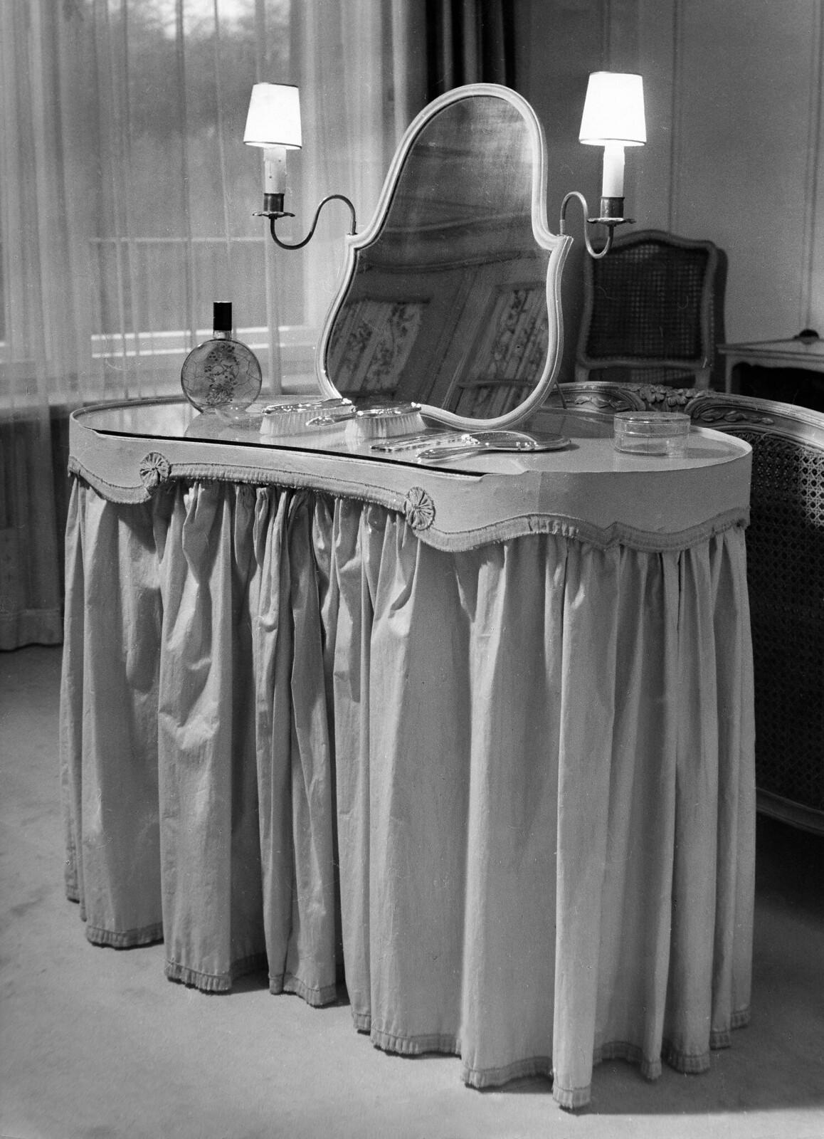 09. Будуар. Туалетный столик