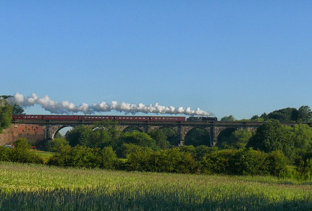 Early morning steam across the Sankey