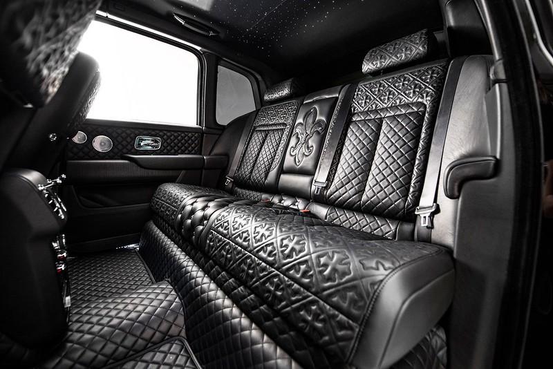 Drake-Rolls-Royce-Cullinan-4
