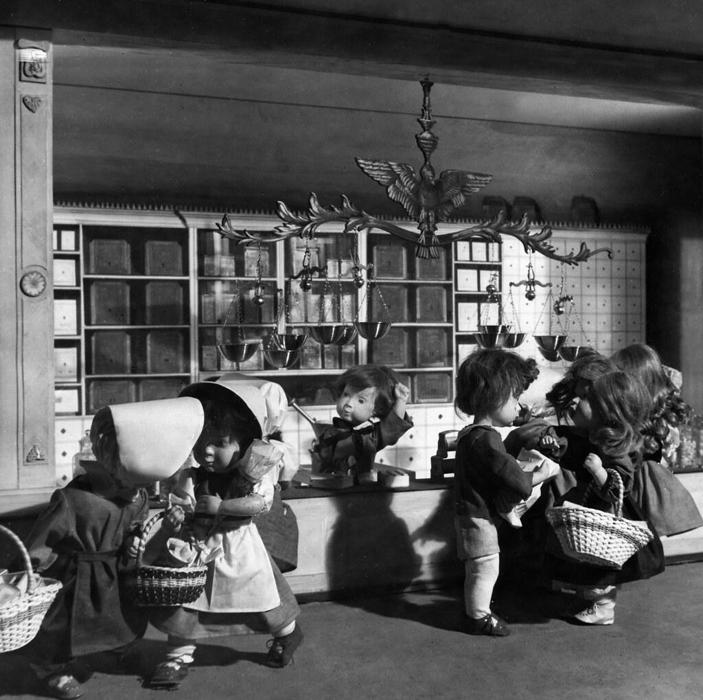 21. Кукольный домик на рождественской ярмарке