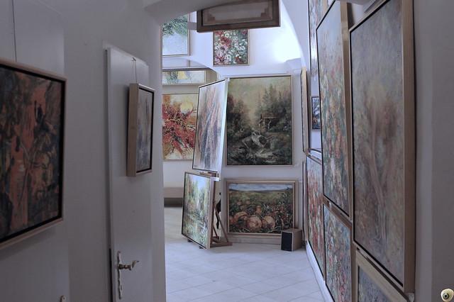 Un cuadro de habitación.