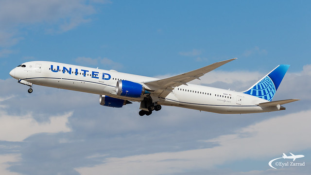 TLV - United Airlines Boeing 787-10 N14011