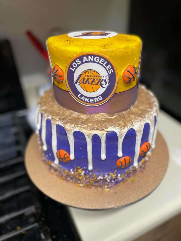 Cake from Cakes by Beauty and the Beard