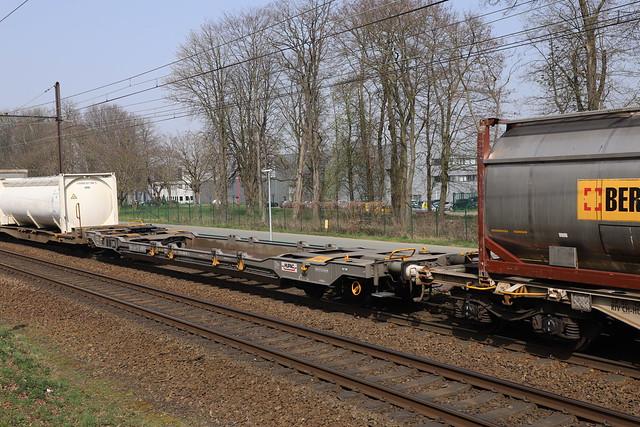 33 RIV 85 CH-HUPAC 4506 512-4 Mortsel 1/04/2021.