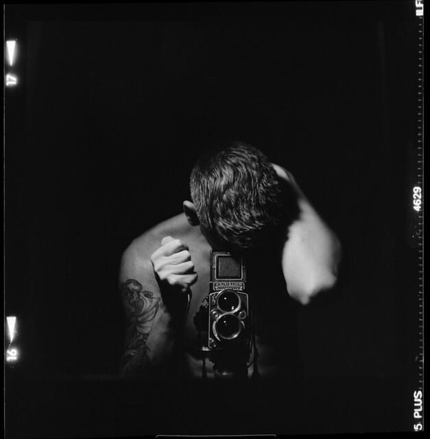 Rolleiflex 2.8e, Carl Zeiss Planar 80mm f/2.8, Ilford HP5, Developed in Ilfotec DD-X (1+4)