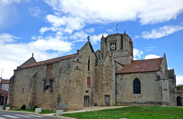 Eglise Saint-Nicolas...Les Magnils-Reigniers