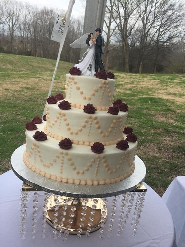 Cake by Nana's Cakes