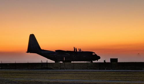 fisherbray usa unitedstates florida okaloosacounty hurlburtfield airforce usaf usairforce afsoc military hrt khrt google pixel4 sunrise sky hc130j lockheed c130j hc130 combatkingii hercules 102rqs li 106rqw 175878 ang nyang airnationalguard