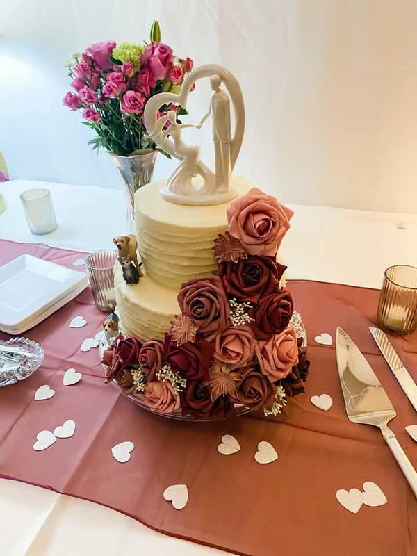 Cake by Sweet Heavenly Delights