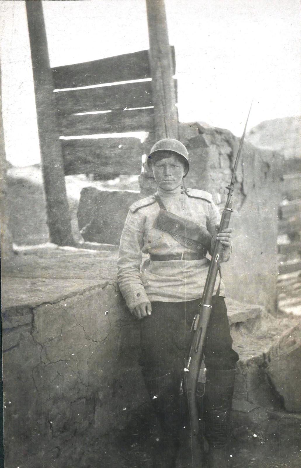 274. Женщина-доброволец Гундоровского полка