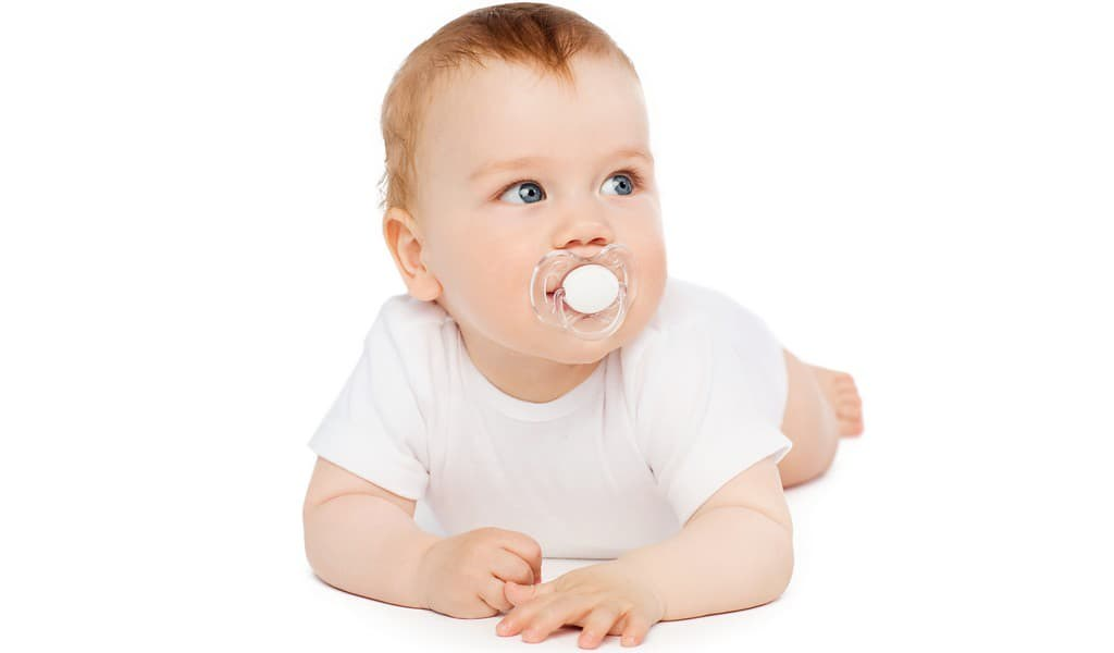 la-stérilisation-des-sucettes-est-liée-aux-allergies-alimentaires