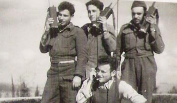 Radio-SCR-536-paratroopers-1951-2oi-1