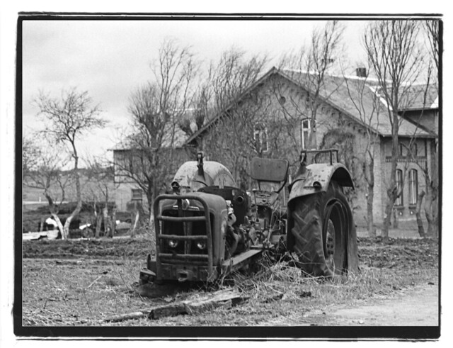 Old Tractor, Wallen, 1994
