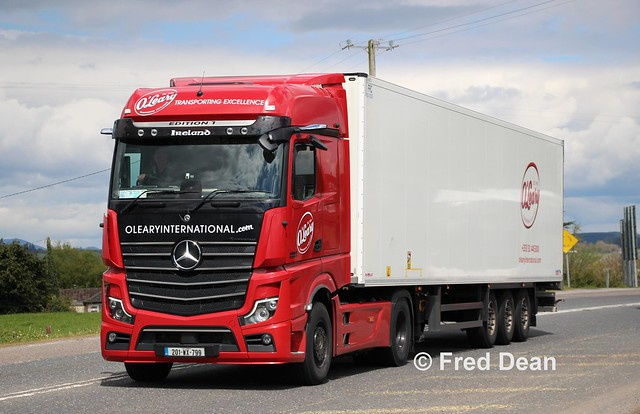 O' Leary International ULC Mercedes-Benz Actros (201WX799).