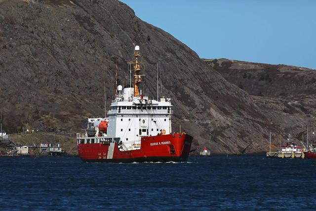 0J1A0366_CCGS George R Pearkes arriving St_John's_+++flkr-2