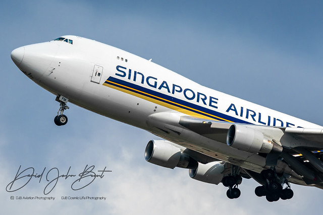 Singapore Airlines Cargo • Boeing 747 • 9V-SFM