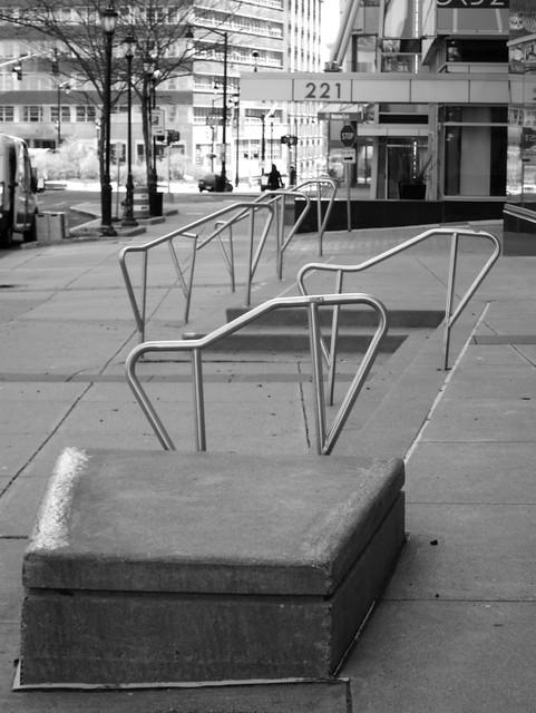 Hürdenlauf mit Stufenbarren / Uneven Urban Hurdling