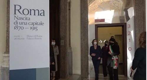 """ROMA ARCHEOLOGICA & RESTAURO ARCHITETTURA 2021. """"Roma. Nascita di una capitale 1870-1915"""", la sindaca Raggi visita a mostra di Palazzo Braschi. Virginia Raggi / Facebook (04/05/2021) & Museo di Roma / Palazzo Braschi (05/2021)."""