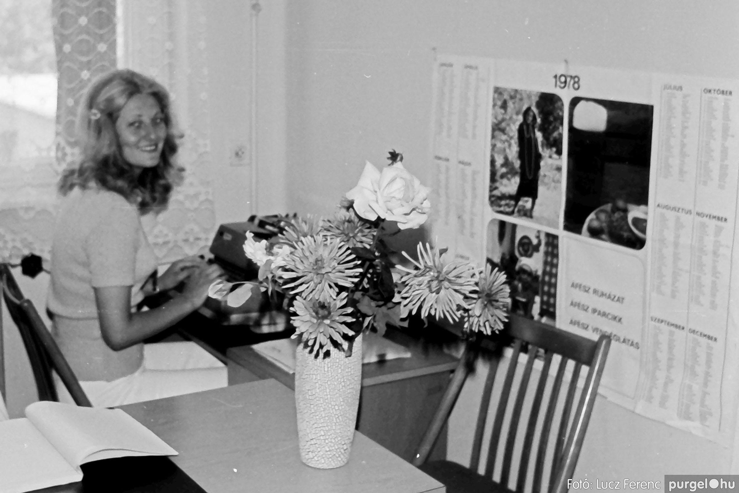 116. 1978. Fotók a tanácsházból 004. - Fotó: Lucz Ferenc.jpg