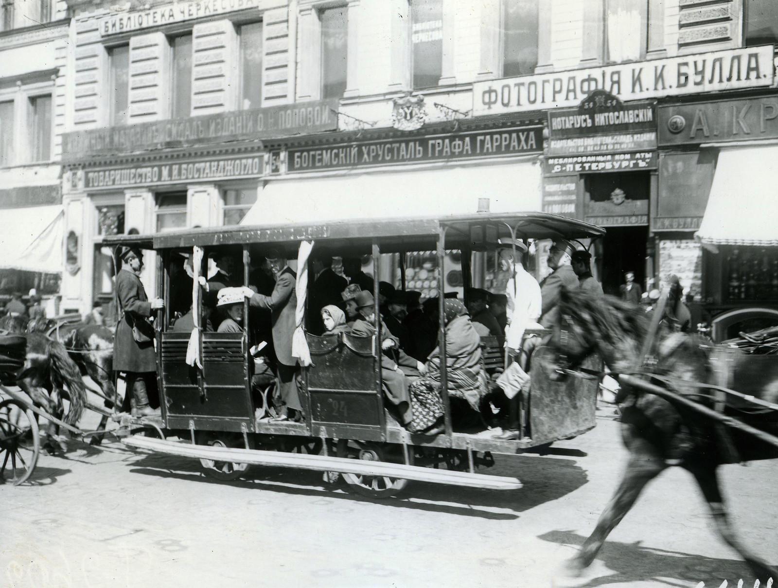 1908. Омнибус на Невском проспекте