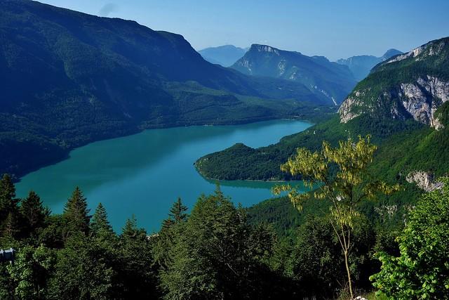 ITALIEN, Italy, Blick von oben auf den Molveno See, 79048/13659
