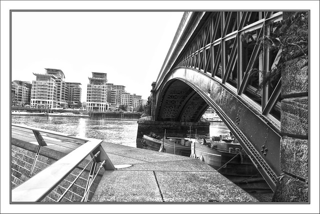 Battersea Railway Bridge, River Thames, Battersea Reach, Battersea, London, England UK