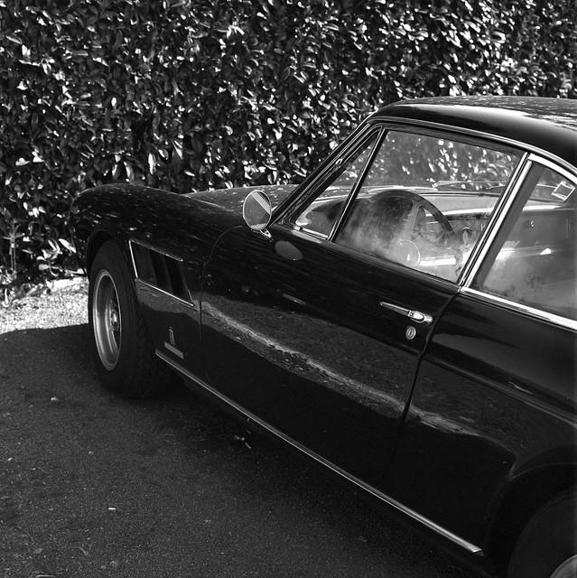 .: Ferrari 330 GT 2+2 :.