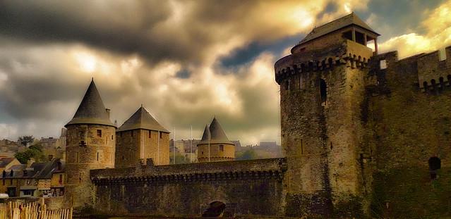 Fougères, le château.