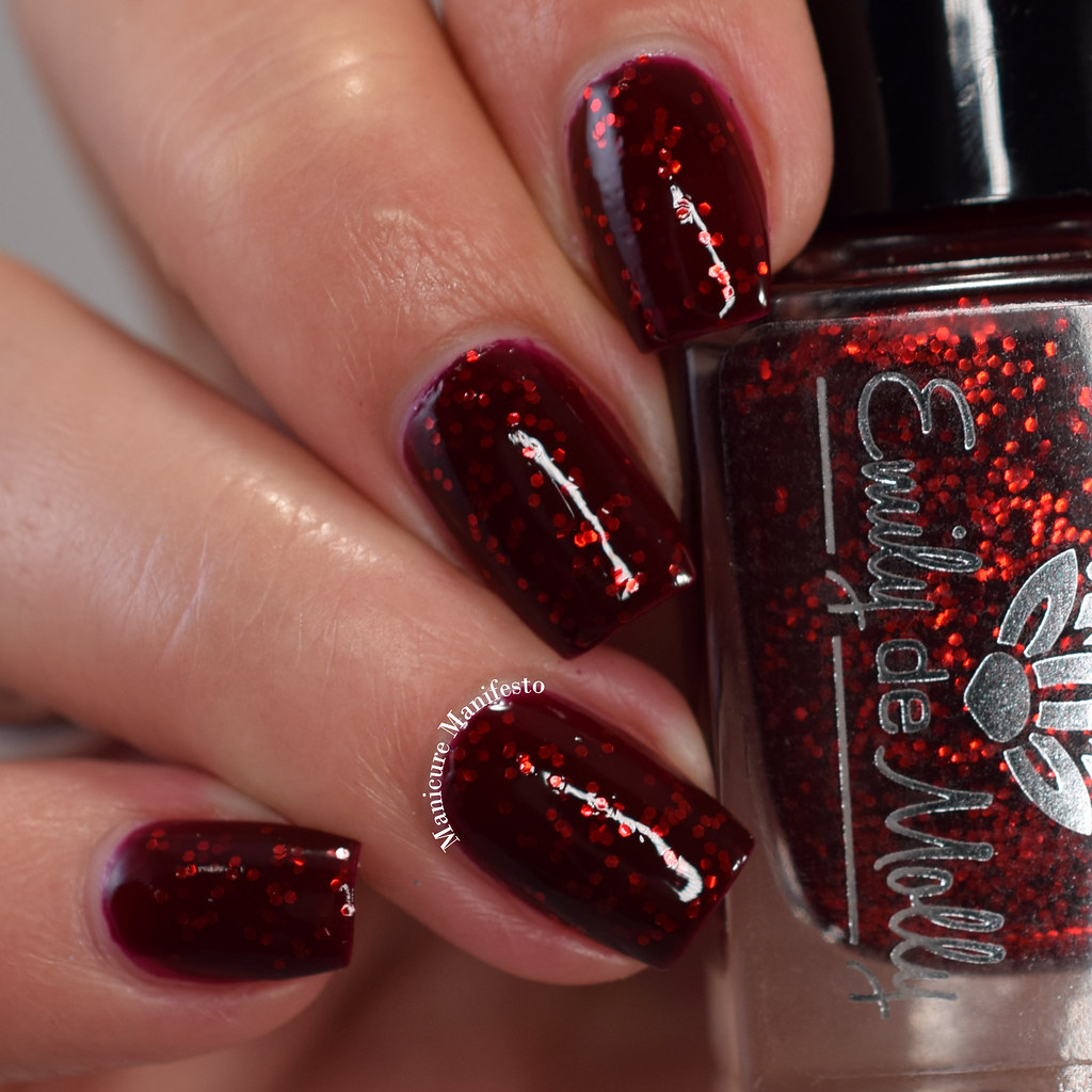 Emily De Molly Dead To The World swatch