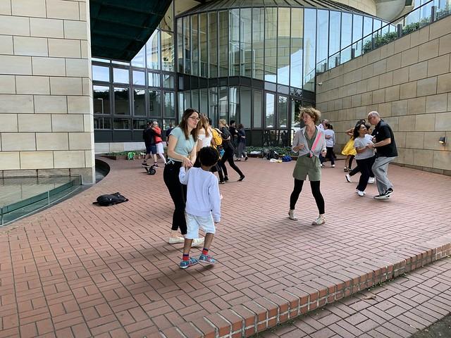 Tanzvergnügen am Landtag.
